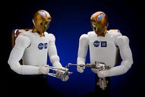 2 Robonauts robots
