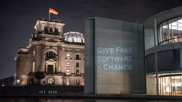 Reichstag and projected Give Free Software a chance message